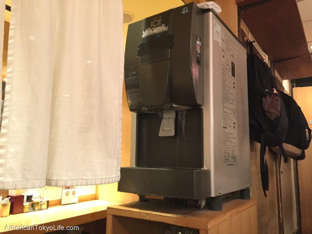 アメリカ人が感動しすぎた-すごいよ日本-ラーメン屋の氷水機